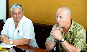 Winston Llenas y Manny Acta.