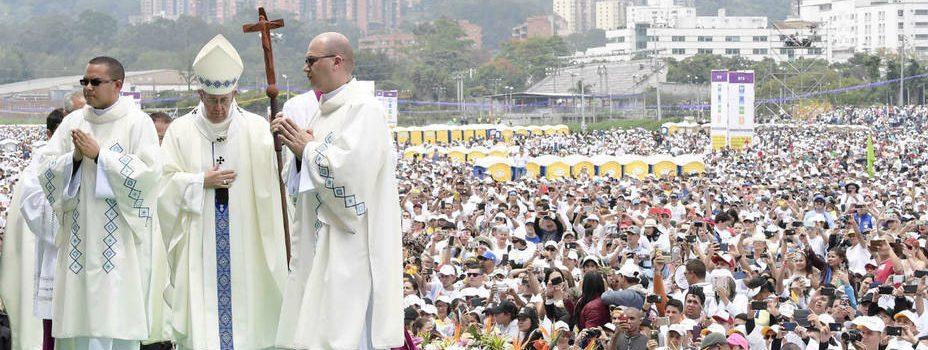 Papa llama la Iglesia a renovarse