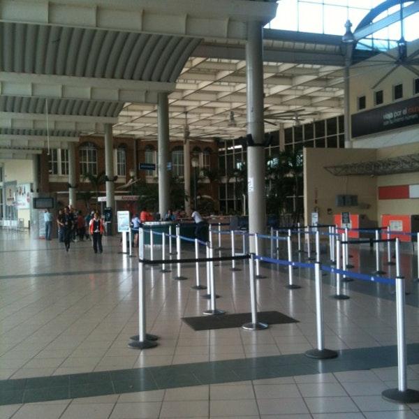 Parte frontal del Aeropuerto Internacional del Cibao