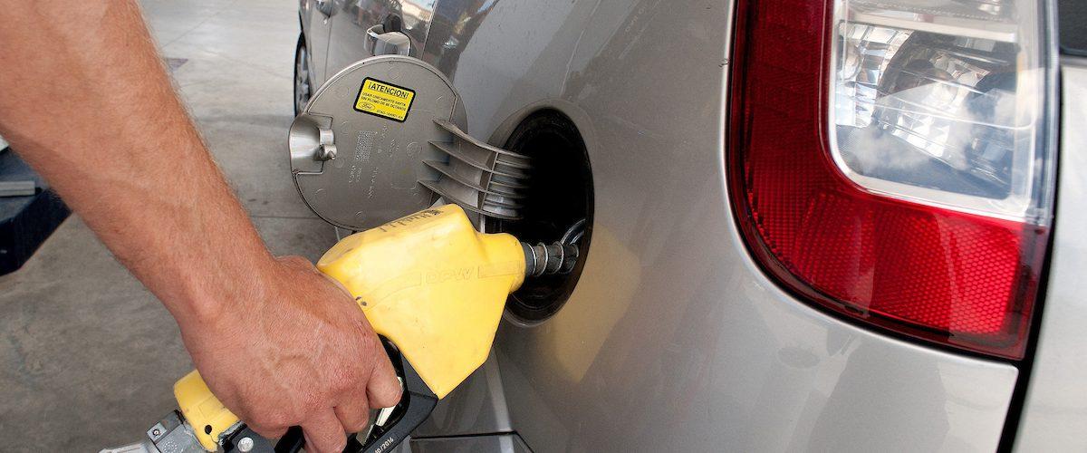 Palo de gallera con precios combustibles