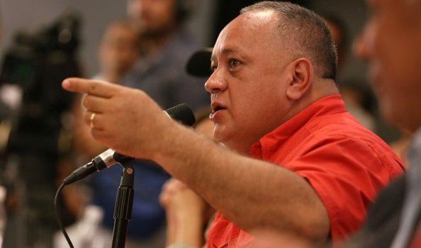 Cabello justifica colapso transporte público