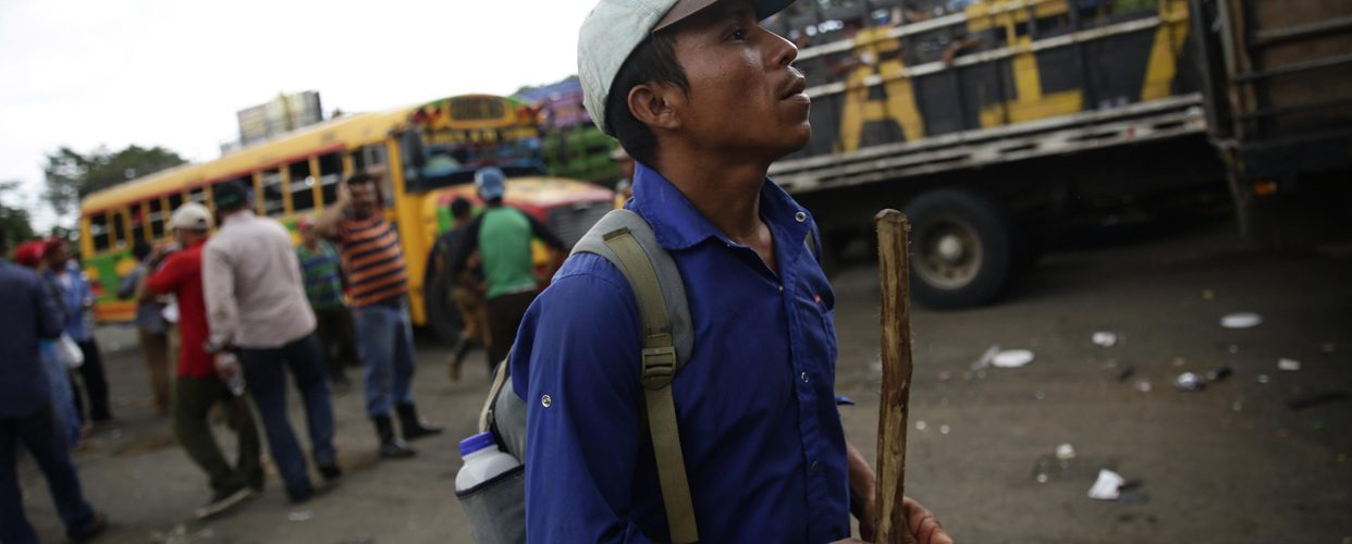Gobierno admite 15 muertos en refriegas