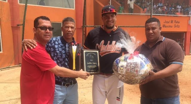 Andulleros dominan torneo béisbol