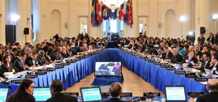 Citan factores que inciden contra Maduro