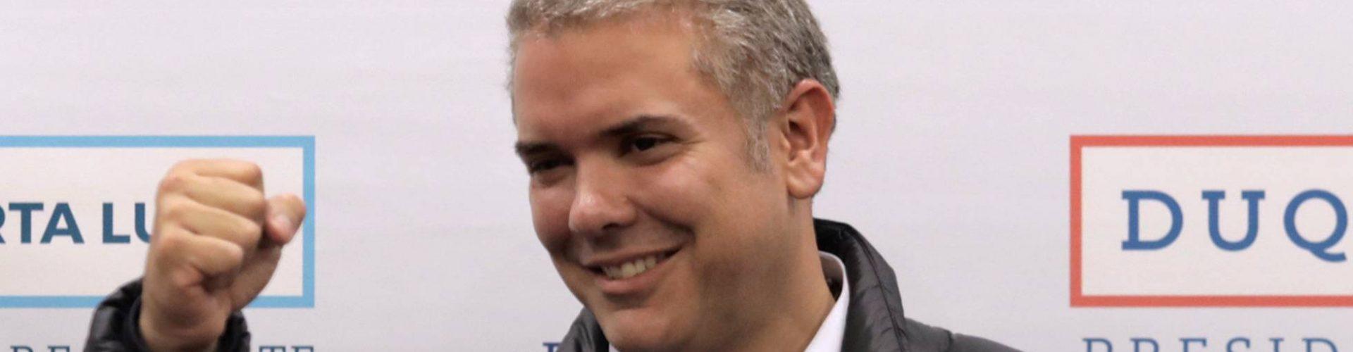 Colombianos eligen entre Duque y Petro