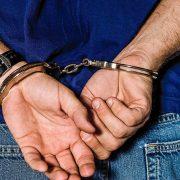 Policía apresa hombre acusa homicidio de oficial militar
