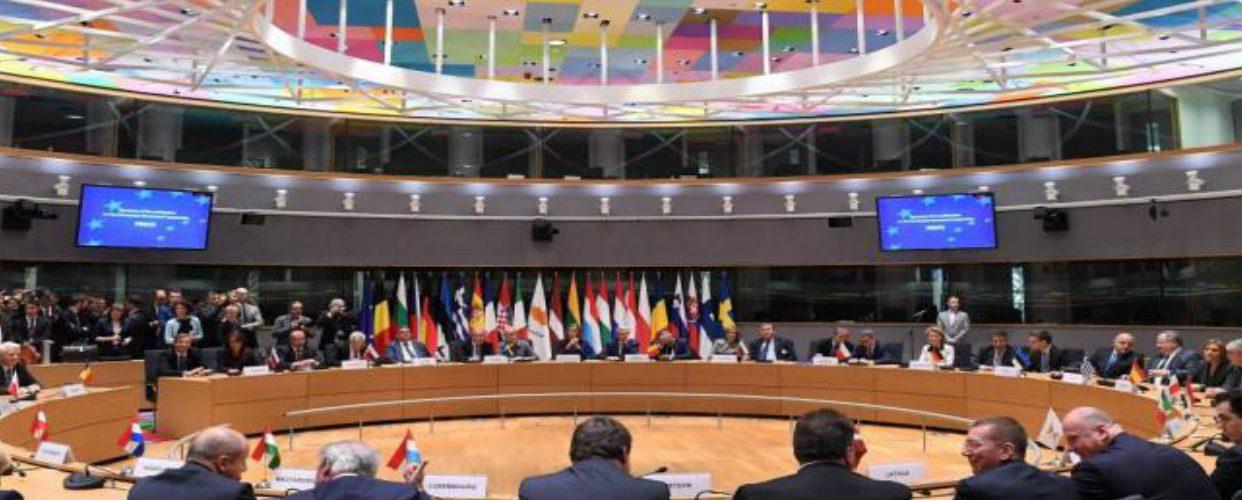 UE estrecha cerco a régimen de Maduro