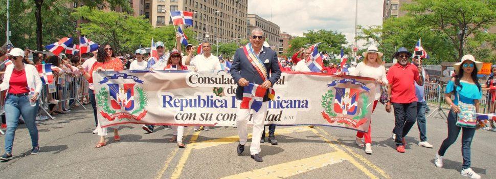 Cónsul destaca orgullo patrio en desfile
