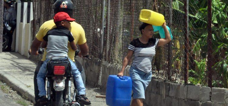 Dicen es precario servicio de agua potable