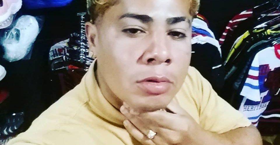 Asesinan a tiros un cantante urbano