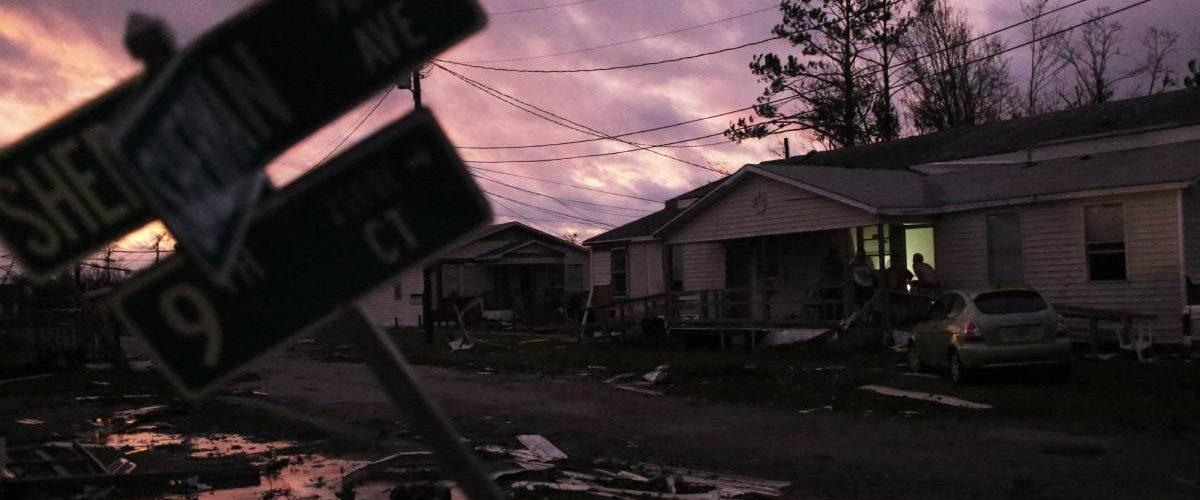 Zonas desoladas por paso de huracán
