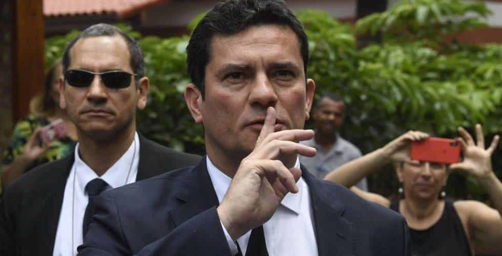Moro acepta el Ministerio de Justicia