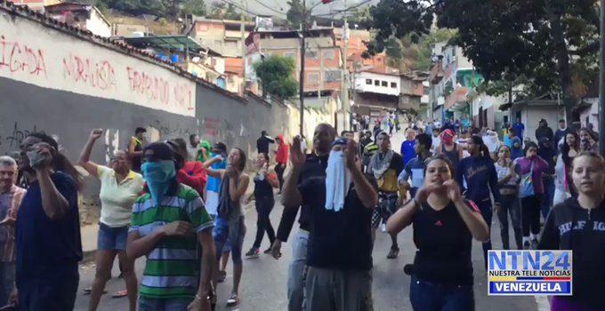 Protestas tras sublevación de militares venezolanos