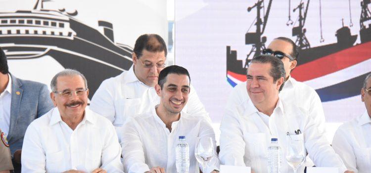 Ministro Turismo destaca importancia nuevo puerto