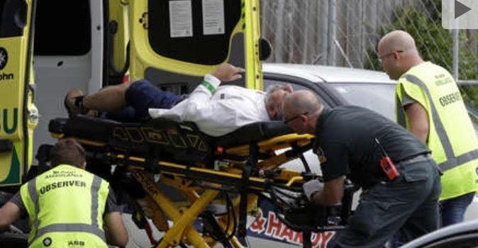 Asesina al menos 49 personas en dos mezquitas