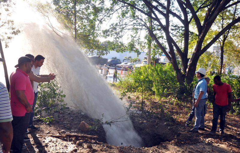 Rotura tubería afecta servicio agua potable