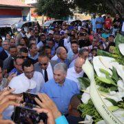 Gonzalo visita tumba del profesor Juan Bosch