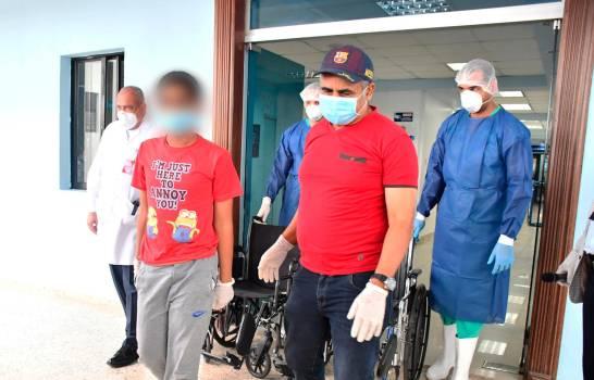 Dan el alta a tres pacientes que afectó el virus