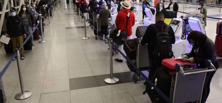 Grupo de dominicanos va a país en vuelo ferry