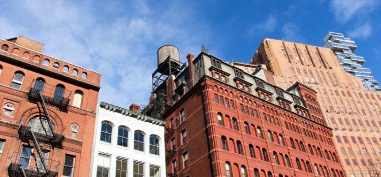 Mujer cae de tercer piso apartamento El Bronx