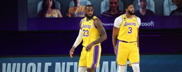 Lakers triunfan reinicio temporada