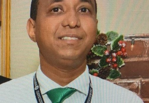Hacienda niega cancelara a joven suicidó