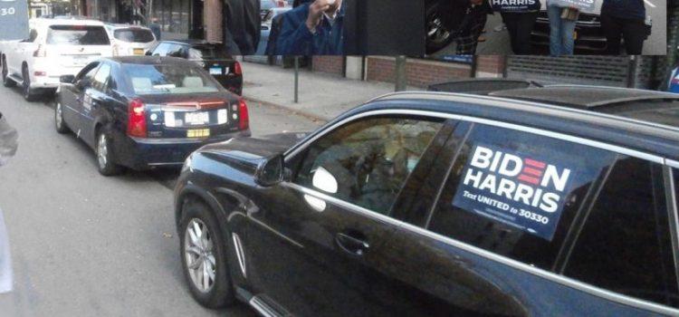 Demócratas participan caravana apoyo Biden