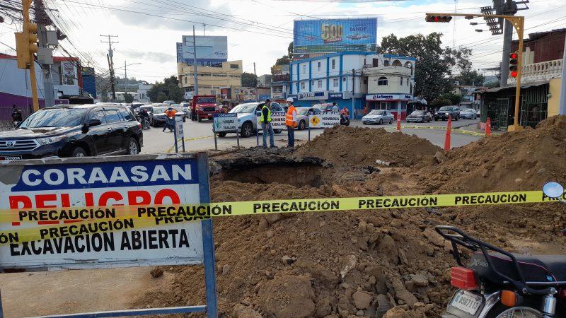 Sectores de Santiago sin agua por trabajo tubería principal