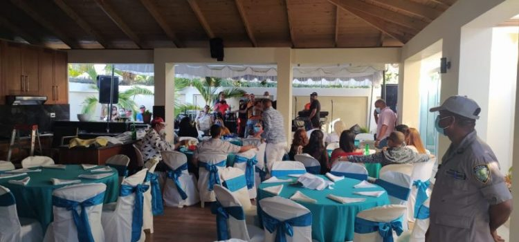 Autoridades intervienen fiesta tocaba Banda Real