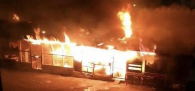 Apagan fuego afectó áreas Penitenciaría La Victoria