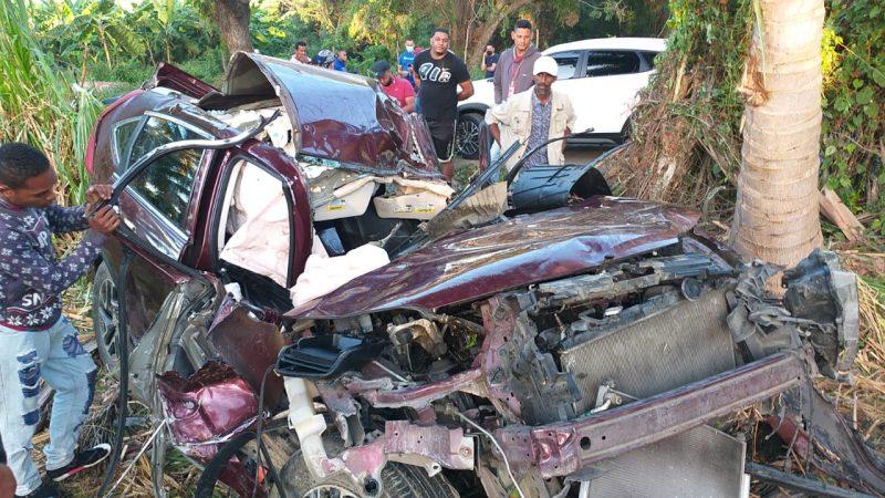 Joven muerto y mujer herida en accidente de tránsito