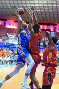 CDP y CUPES ganan inicio baloncesto