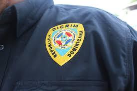 Desconocidos con ropas de policías cometen un asalto