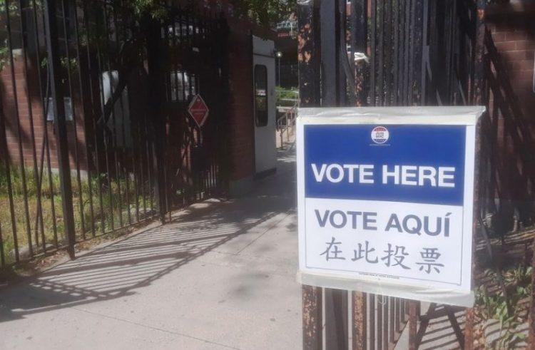 Votación anticipada y vacunación unificadas