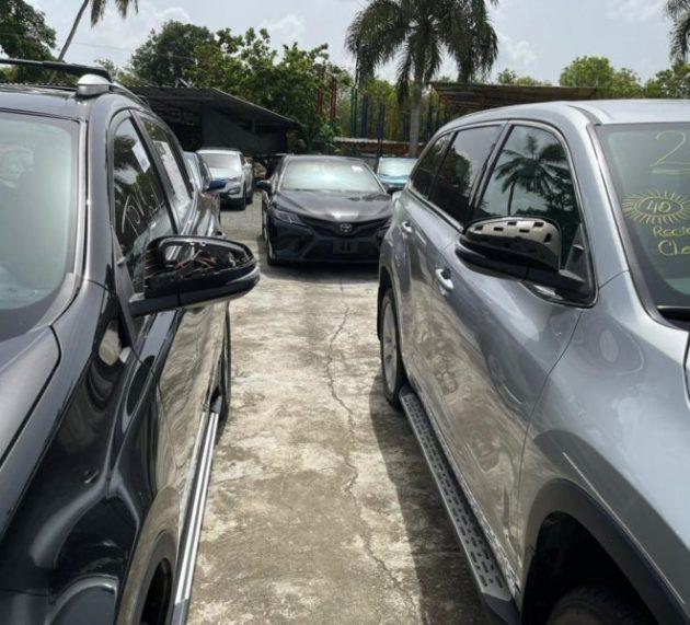 Cometen robos en agencias de vehículos y hieren vigilante