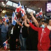 Masiva juramentación ciudadanos dominicanos