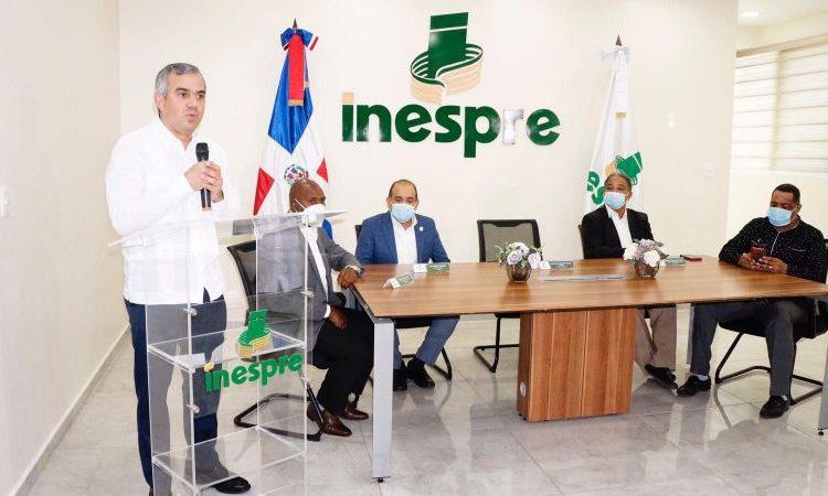 El Inespre y comunicadores firman convenio