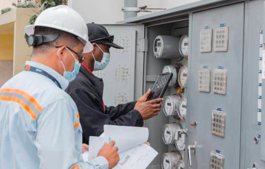 Gobierno reajustará tarifas a usuarios regulados las EDES