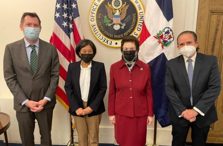 Autoridades dominicanas y comerciales EE.UU. se reúnen